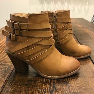 Women's Tan Bootie 7